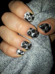 Cute summer nails, Jamberry, Manicure, Jamicure, Flapper, Black, Silver, Floral. Visit my website to purchase these, plus there's over 300 more designs to choose from!