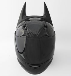 HD100 Helmet is a helmet for every superhero that rides motorcycle. It's sleek, dark, and mysterious, it certainly catches everyone eyes, especially children, they will stare at you in awe.