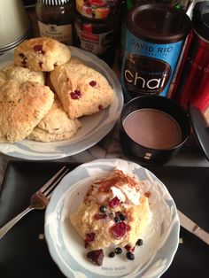 Chai & Cranberry Scone with Super-berry Mix (Strawberry, Blueberry and Cranberry), Vanilla Cream and Cinnamon.