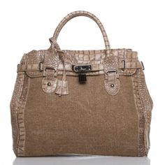 Just bought this handbag on ShoeDazzle! http://www.shoedazzle.com/invite/1681axwcx