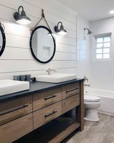 Top 50 Best Shiplap Wandideen - Holzbrett Interieur - New Ideas Top 50 Best Shiplap Wall Ideas - Wooden Board Interiors Schlanke Shiplap Wand-Idee Shiplap Bathroom Wall, Bathroom Renos, Bathroom Renovations, Bathroom Fixtures, Bathroom Wall Ideas, Bathroom Cabinets, Bathroom Storage, Bathroom Mirrors, Remodel Bathroom