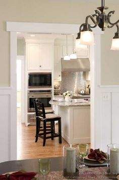 kitchen/dining wainscoting & colors ~love