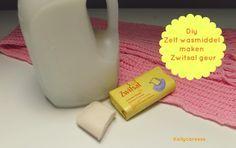 Zelf wasmiddel maken DIY in de bekende Zwitsal baby geur! Homemade wasmiddel is goedkoop en vrij van gevaarlijke stoffen. Makkelijk zelf te maken
