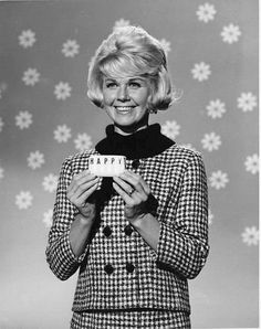 Doris Day as the Happy Soap girl in The Thrill Of It All.