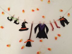 Witch Clothesline Halloween Decoration Banner Bunting Garland Witch's Laundry Line Home Decor - Real Time - Diet, Exercise, Fitness, Finance You for Healthy articles ideas Moldes Halloween, Casa Halloween, Theme Halloween, Adornos Halloween, Manualidades Halloween, Halloween Crafts For Kids, Diy Halloween Decorations, Holidays Halloween, Diy Halloween Garland