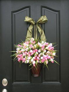 Great spring time door design. *NTS* paint hanger door color.