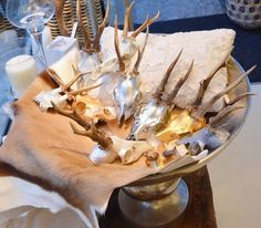 Gallery - LE FINEZA #lefineza #meran #merano #südtirol #chaletstyle #flowers #design #home #interior #gold #plaid #antlers #geweih #einrichtung #arredamento #southtyrol #altoadige #italy #italia #ampliamento #bestoftheday #pictureoftheday #teppich #cowhide #hirsch #luxury #manufaktur #manufacturing #swarovski