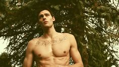 Community Post: Should You Date Sean O'Pry Or Holden Nowell?