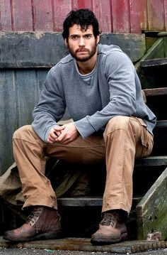 The scruffy look totally works for Henry!!!