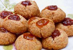 Diós ördögpogácsa Hungarian Cookies, Hungarian Cake, Hungarian Recipes, Poppy Cake, Pavlova, Biscuits, Muffin, Food And Drink, Cooking Recipes