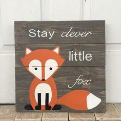 Blijven van slimme kleine Fox grijze door AmbersWoodenBoutique