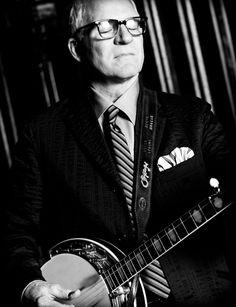 Steve Martin plays the Banjo!