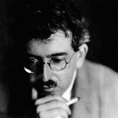 The Writer's Technique in Thirteen Theses: Walter Benjamin's Timeless Advice on Writing