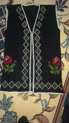 Bohemian Rug, Rugs, Model, Dots, Tejidos, Women, Sweater Vests, Farmhouse Rugs