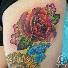 Fresh and gorgeous rose tattoo by Meghan Patrick. #12ozstudios #team12oz #tattoo #tattoos #tattooed #tattooing #tattooism #tattooart #tattooartist #tattooer #tattooist #art #artstudio #tattooshop #tattoostudio #ink #inked #colortattoo #colortattoos #rose #roses #rosetattoo #rosetattoos #flower #flowers #flowertattoo #flowertattoos #freshtattoo #thightattoo #thightattoos
