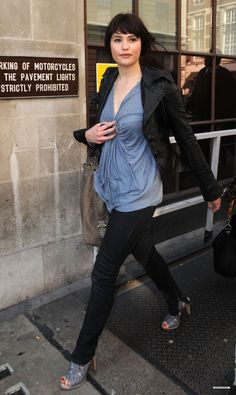 Gemma Arterton - style  Personally, I fell in love with her style after seeing this photo ;)  credit: gemma-arterton.net