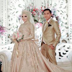Bridal hijab wedding dresses Ideas for 2019 Muslimah Wedding Dress, Muslim Wedding Dresses, Muslim Brides, Wedding Party Dresses, Bridesmaid Dresses, Party Wedding, Dress Party, Muslim Dress, Hijab Dress