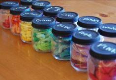 Chalkboard painted baby food jar lids - so perfect for frugal organizing Baby Jars, Baby Food Jars, Food Baby, Baby Foods, Baby Food Storage, Jar Storage, Storage Ideas, Table Storage, Hair Band Holder