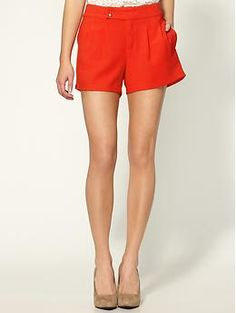 A breezy pair of shorts that would look perfect with a crisp white shirt or nautical stripes!