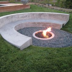 Fire Pit Design Idea For More Attractive – Best Outdoor Fire. These fire pit ideas and designs will transform your backyard. Check out this list of ways to update your outdoor space with a fire pit! Fire Pit Seating, Fire Pit Area, Backyard Seating, Seating Areas, Sunken Fire Pits, Concrete Fire Pits, Fire Pit Landscaping, Modern Landscaping, Landscaping Ideas