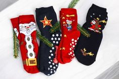 Weihnachtssocken vom Weihnachtsmann Christmas Stockings, Holiday Decor, Home Decor, Papa Noel, Fire Department, Gifts, Needlepoint Christmas Stockings, Interior Design, Home Interior Design