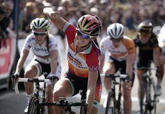 Lizzie Armitstead (Boels-Dolmans) wins Trofeo Alfredo Binda World Cup