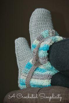 Ravelry: Women's Slouchy Slipper Boots pattern by Jennifer Pionk -Pattern on sale for $3!!! Until Sunday 11/16/14  toooo cute!