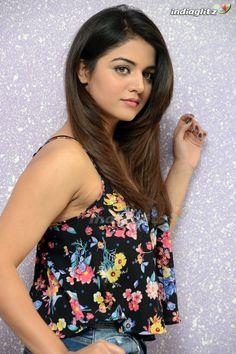 Beautiful Girl Indian, Most Beautiful Indian Actress, Beautiful Actresses, Bollywood Girls, Bollywood Actress Hot, Beauty Full Girl, Beauty Women, Wamiqa Gabbi, Glam Photoshoot