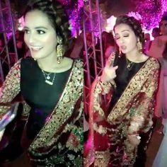 Pre Wedding Party, Hijab Cartoon, Aiman Khan, Cute Wallpaper For Phone, Pakistani Bridal Dresses, Pakistani Actress, Newlyweds, Cute Wallpapers, Fashion Dresses