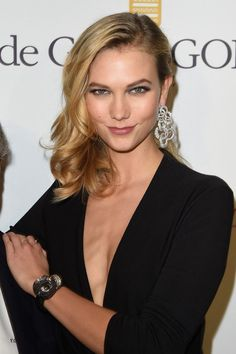 Karlie Kloss Diamond Watch - Karlie Kloss also accessorized with the real star of the night, the De Grisogono Crazy Skull diamond watch.