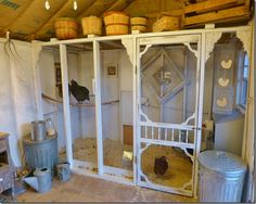 what I want the inside of my coop shed to look like!  But my nest boxes intergrated into the wire wall to access from here.