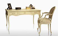 Meda de escritorio de sillón de madera de caoba, pintados en crema