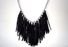 Como hacer un hermoso collar de flecos - Red Social Claseclub.com