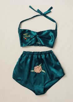 """Keep Your Pants on Honey Until I Come Home:"" The Allure of Embroidered WWII Lingerie Modern remakes of a WWII-era lingerie set, by Retrograde Jolie Lingerie, Pretty Lingerie, Lingerie Set, Lingerie Vintage, Lingerie Sleepwear, Nightwear, Lingerie Collection, Mode Inspiration, Mode Style"