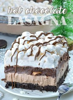 Hot Chocolate Lasagna - no bake layered dessert with Oreo crust, hot chocolate cheesecake mousse layer, chocolate pudding, whipped cream and mini marshmallows. What a fun treat at your holiday festivities! # Desserts for kids Hot Chocolate Lasagna Chocolate Lasagna Dessert, Chocolate Cheesecake, Chocolate Recipes, Desserts With Chocolate Pudding, Hot Chocolate Cake Recipe, Chocolate Cake Designs, Whipped Cream Desserts, Hot Chocolate Cupcakes, Chocolate Smoothies