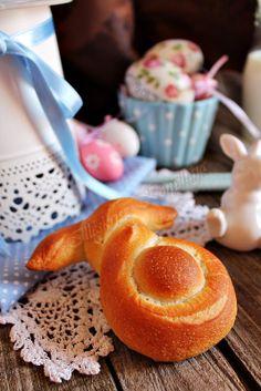 Illéskrisz Konyhája: HÚSVÉTI NYUSZI-KIFLI Hungarian Recipes, Hungarian Food, Creative Cakes, Cake Recipes, Cereal, Food And Drink, Easter, Breakfast, Morning Coffee