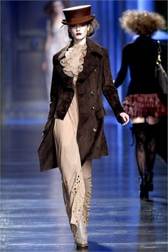 Christian Dior Fall 2010 Ready-to-Wear