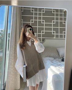 Korean Girl Fashion, Korean Fashion Trends, Ulzzang Fashion, Kpop Fashion Outfits, Korean Outfits, Preppy Look, Preppy Style, Aesthetic Fashion, Aesthetic Clothes
