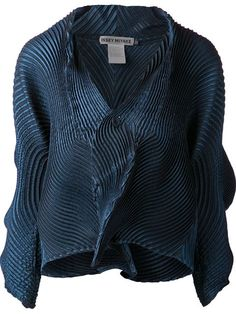 Shop Issey Miyake structured accordion jacket in Anastasia Boutique from the world's best independent boutiques at farfetch.com. Over 1000 designers from 60 boutiques in one website.
