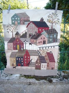 BusyBeeFree: Yoko Saito Quiltmystery block 5. --- A BLOCK??? I thought it was the whole quilt!... Wonder what the entire quilt will look like!