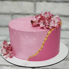 Cake Decorating Designs, Cake Decorating Videos, Cake Decorating Techniques, Cake Designs, Beautiful Birthday Cakes, Gorgeous Cakes, Amazing Cakes, Cupcake Cakes, Cupcakes