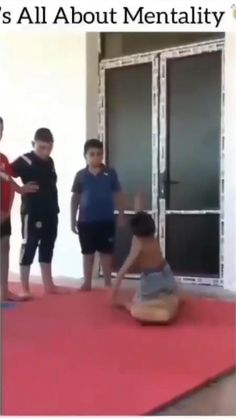 Funny Prank Videos, Cute Funny Baby Videos, Crazy Funny Videos, Funny Videos For Kids, Funny Babies, Really Funny Joke, Funny Vidos, Stupid Funny Memes, Funny Facts