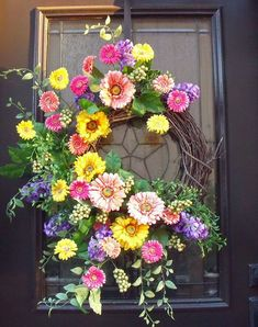 Gerber Daisy Wreath, Spring Wreaths, Easter Wreath, Spring Door Wreath, Wall Floral Arrangement Pretty Gerber daisies are in bloom in this vibrant Spring Door Wreaths, Easter Wreaths, Deco Mesh Wreaths, Summer Wreath, Holiday Wreaths, Wreath Crafts, Diy Wreath, Boxwood Wreath, Couronne Diy
