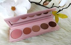 Pretty Naked Palette - 100% Pure | Beauty & Lifestyle