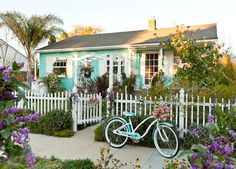 Tiffany colour/cottage with matching bike. <3 I need to live here...