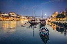 """Insta / vitorferreiraphotos: """"At the Heart of the City""""  Porto Portugal  #Super_Portugal #Portugal #PortugalComEfeitos #igersportugal #portugaldenorteasul #faded_world #faded_portugal #portugalalive #visitportugal #shooters_pt #ig_portugal #portoalive #portugal_de_sonho #IGERS_PORTO_ #LOVES_PORTUGAL #amoteportugal_ #igers_porto #portugal_em_fotos #wu_portugal #Super_Porto_ #portonoinsta #estaes_portugal #PortugalFrames #nowporto #portugalemfiltros #gerador #viveoporto #oportocool #visitporto…"""