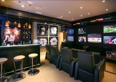 25 Epic and easy DIY man cave ideas that& make your cave look insane! These& The post 25 Best DIY Man Cave Ideas That& Rock Your World appeared first on England Gardens. Man Cave Living Room, Man Room, Living Room Decor, Home Theaters, Man Cave Basement, Man Cave Garage, Garage Bar, Basement House, Walkout Basement