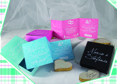 Per annunciare dolcemente il tuo evento ti proponiamo le #WEDDING COOKIES, delle eleganti scatolette con partecipazione in coordinato all'interno ed un gustosissimo #biscotto di #pastafrolla con glassa personalizzato con il nome degli #sposi!!!