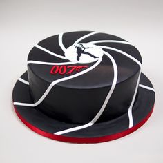 ago I can't make snake cakes. I don't have the counter space. 2 Reply View more comments James Bond Cake, James Bond Party, James Bond Theme, James Bond Movies, Photo Booth Anniversaire, Snake Cakes, Movie Cakes, Cakes For Men, Cute Cakes