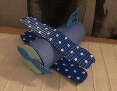 Leuk idee om een vliegtuig te maken van een wc rol! Heel makkelijk en leuk voor de kids!